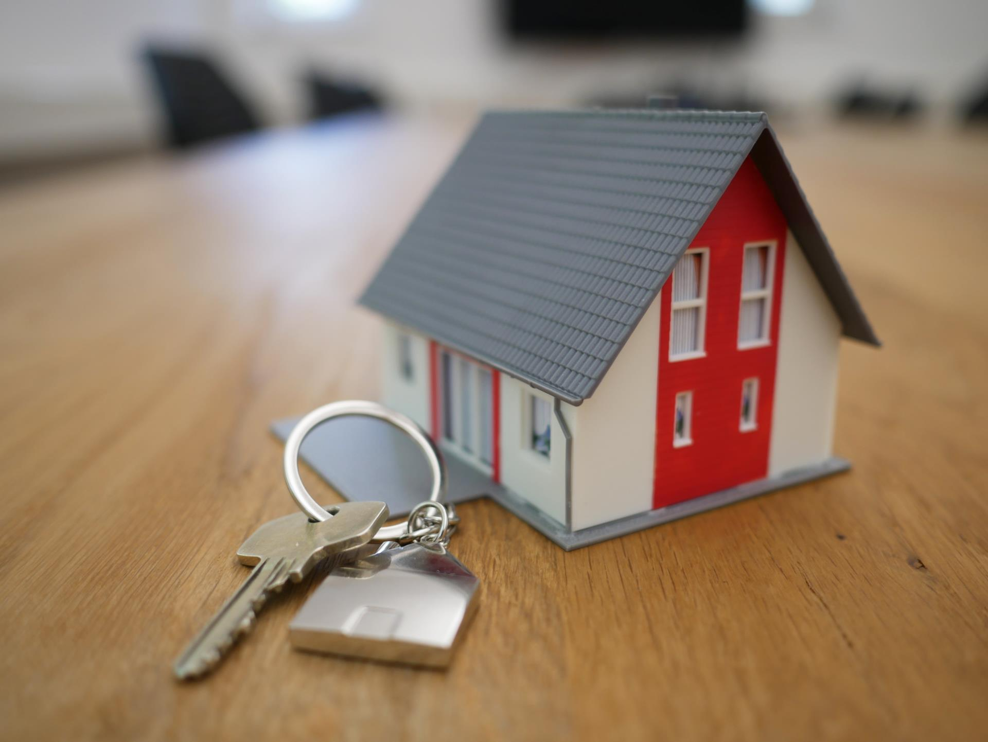 Give us the key to your home ... and go on vacation!